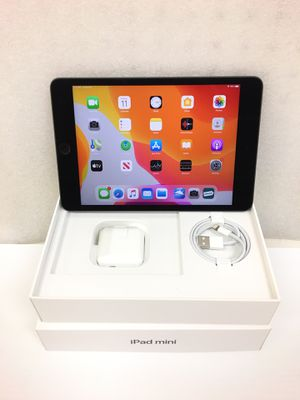 iPad mini Wi-Fi 64GB 5th gen (With Original Box & charging cables) for Sale in Long Beach, CA