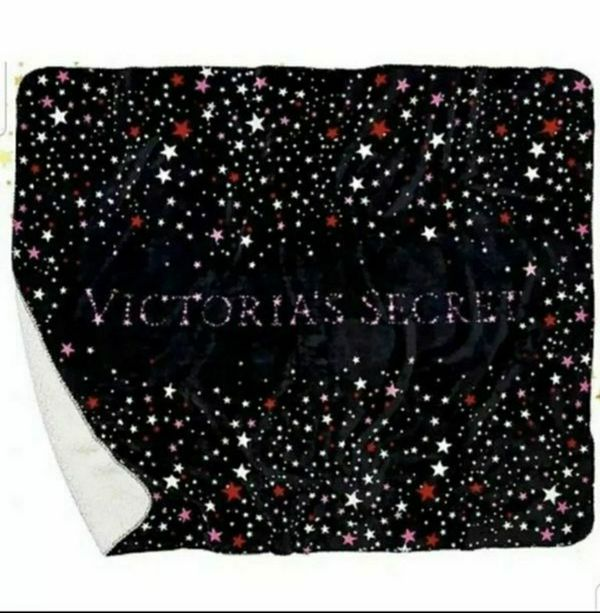 VICTORIA'S SECRET BLACK STARS BLANKET THROW LARGE SOFT FAUX FUR PLUSH SHERPA NWT