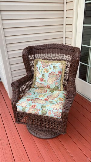 Patio rocking chair for Sale in Leesburg, VA