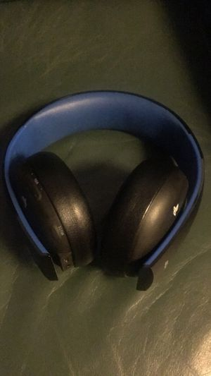 PS4 wireless headset for Sale in Ontario, CA