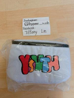 Worldwide Youth Waist Bag Brand New for Sale in Walnut, CA