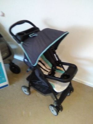 Car seat and stroller for Sale in Alexandria, VA