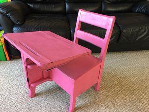 Kid toddler School desk table for Sale in Aurora, IL