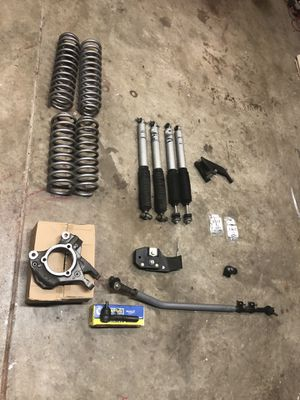 """Jeep jku 3.5"""" rubicon express lift and accessories for Sale in Charlotte, NC"""