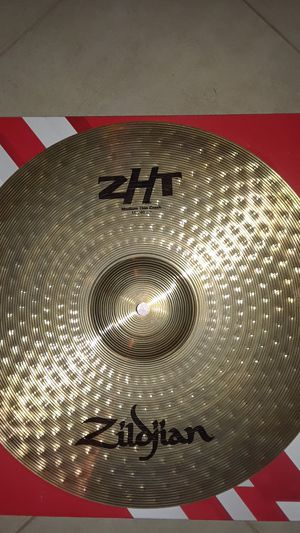 Zildjian ZHT 16 inch medium thin crash cymbal PCC and looking at tonight for Sale in Clinton, MD