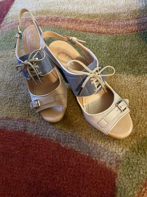Tods Woman's Fringed Leather Heels Medium for Sale in North Miami Beach, FL