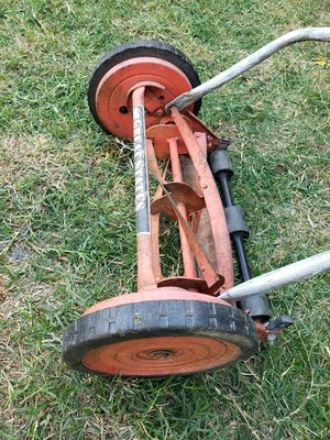 """GREAT STATES 14"""" 4 BLADE PUSH REEL LAWN MOWER for Sale in Pomona, CA"""