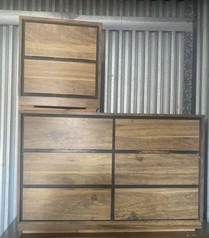 Dresser and nightstand for Sale in Bakersfield, CA