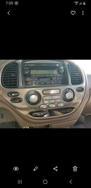 Radio and a/c control bisel 04 toyota sequoia only has 67kmilles for Sale in Fontana, CA