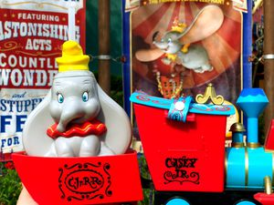 Disney Dumbo popcorn bucket and sipper cup new for Sale in Dade City, FL