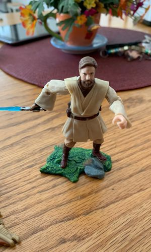Star Wars Obi-won and chewy action figures with weapons for Sale in Richmond, CA