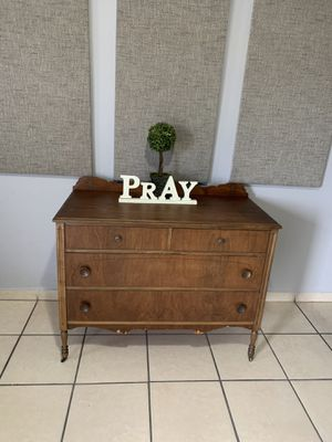 Beautiful vintage dresser for Sale in Atwater, CA