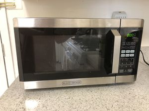 BLACK+DECKER Digital Microwave Oven for Sale in Arlington, VA