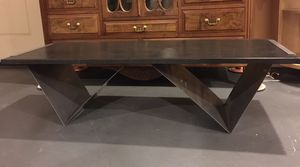 Table for Sale in Lake Elsinore, CA