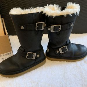UGG girls Kensington II boots (kid size 10) for Sale in Chicago, IL