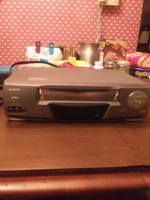 Sanyo VCR - No Remote - Works - $10.00 for Sale in St. Louis, MO