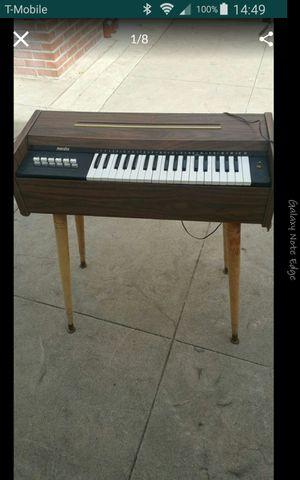 Piano maestro buenas condisionese es antiguo for Sale in Baldwin Park, CA