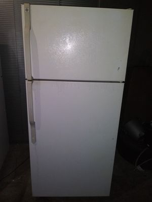 """**Ge apartment Size Refrigerator 28"""" w by 64""""1/2 h (is on and cold right now(can deliver for free for Sale in Claremont, CA"""