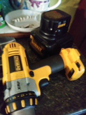 Dewalt drill xrp with charger and 1 battery for Sale in Parkersburg, WV