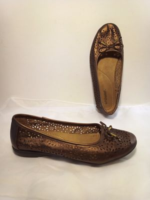 New WHITE MOUNTAIN Perforated Bronze Bow Flat Slip-On Shoes Sz. 8W for Sale in Lake Forest, CA