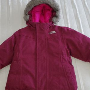 The North Face McMurdo Waterproof 550 Down Parka NWT The North Face for Sale in Chicago, IL