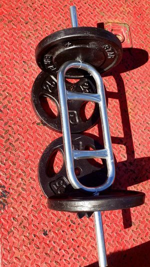 100 POUNDS OF STANDARD 1 INCH WEIGHT PLATES WITH A TRICEP BAR & TWO SPRING CLIPS for Sale in Fort Worth, TX