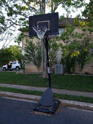 Basketball Hoop for Sale in Round Rock, TX