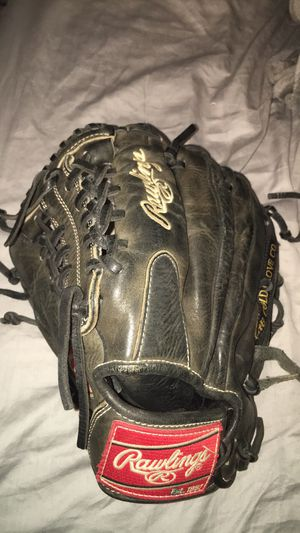 Baseball gold glove lefty for Sale in Austin, TX