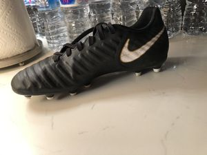 Women's Nike Soccer cleats. Mint Condition! Size 7 for Sale in Houston, TX
