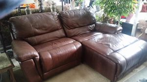 Electric reclining sectional for Sale in Detroit, MI