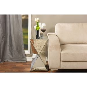 Mirror side table for Sale in Bakersfield, CA