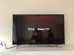 """TCL Roku Smart TV 40"""" for Sale in Chicago, IL"""