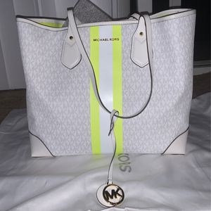 Michael kors bag for Sale in Richmond, CA
