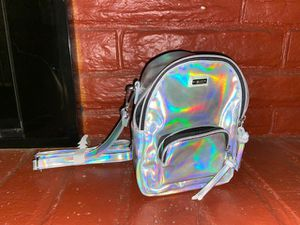 Vans mini holographic backpack for Sale in Madera, CA
