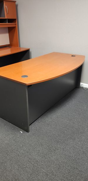 FREE!! desks with hutch. for Sale in Clovis, CA