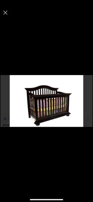 Simmons matching crib and dresser set. for Sale in Phoenix, AZ