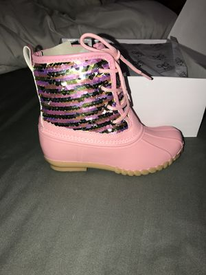 Girls Olivia Miller duck boots for Sale in Crete, IL