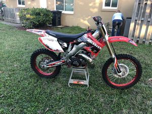 Dirt bike. 2002 Honda cr250r. Completely rebuilt. New performance top and bottom ends. New wheels, tires, controls, and everything in between. Very f for Sale in Tamarac, FL