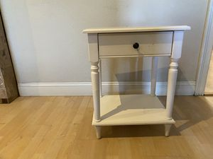 End table with drawer for Sale in Richmond, CA