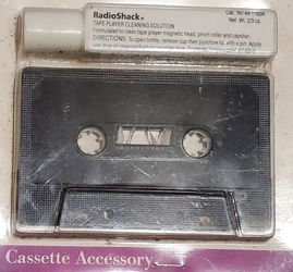 RADIO SHACK TWO WAY CASETTE CLEANING KIT MEW SEALED for Sale in Lynwood,  CA