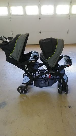 Babytrend sit and stand double stroller for Sale in Woodstock, GA