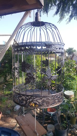BEAUTIFUL BRONZE CAGE 17IN. HEIGHT for Sale in San Diego, CA