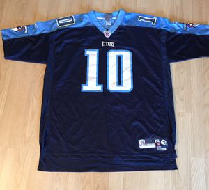 2XL reebok Tennessee young titans football jersey for Sale in Fort Lauderdale, FL