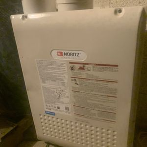 Tankless Water Heater (WALL HUNG) for Sale in Arlington, VA
