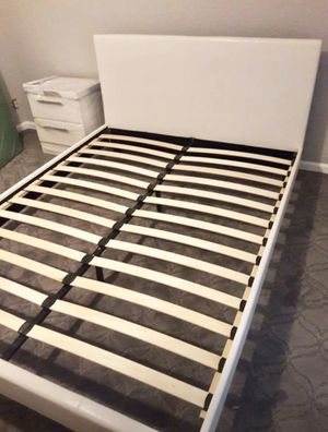 New queen bed frame and nightstand mattress is not included for Sale in Pompano Beach, FL