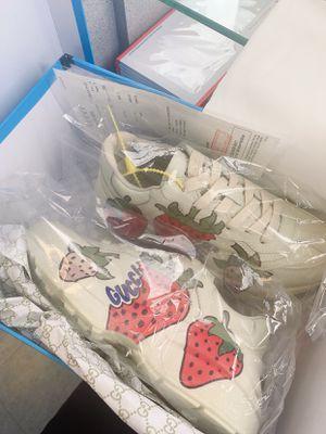 Gucci rhyton sneakers strawberry for Sale in Mukilteo, WA
