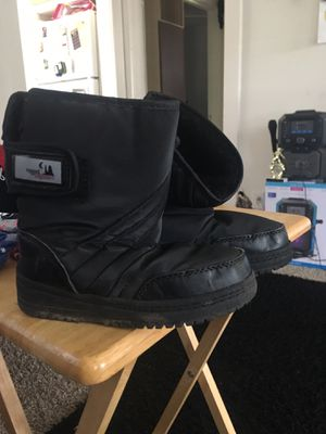 Snow boots kids. Size 11 for Sale in Irwindale, CA
