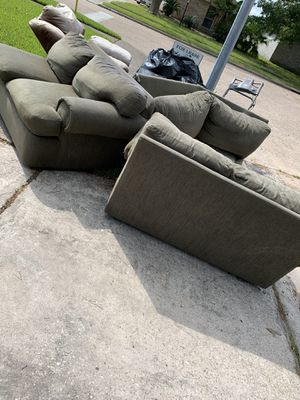 Free sofa for Sale in Spring, TX