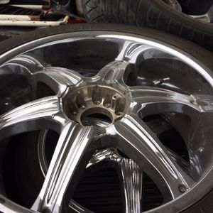 """05 Ford 5lug 24"""" Universel for Sale in Kaufman, TX"""