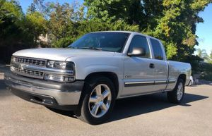 2001 Chevy Silverado AUTOMATIC for Sale in St. Louis, MO